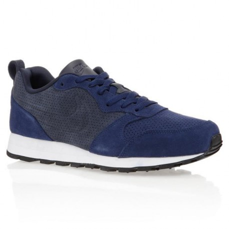 NIKE Baskets MD Runner Leather Chaussures Homme